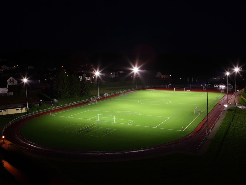 Eclairage LED d'un terrain de football