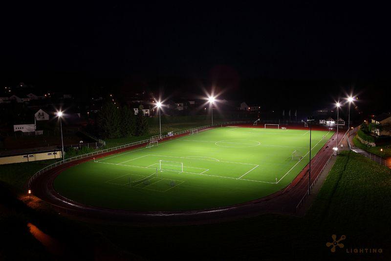 eclairage led d 39 un terrain de football addis lighting. Black Bedroom Furniture Sets. Home Design Ideas