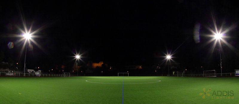 Eclairage LED d'un terrain de football avec la gamme AZURITE