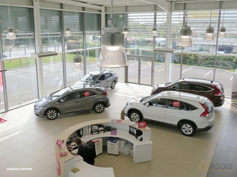 Eclairage led d'une concession automobile avec la gamme QUARTZ