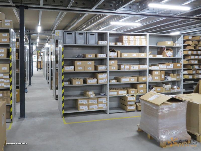 Eclairage led d'un espace de stockage et préparation de commande