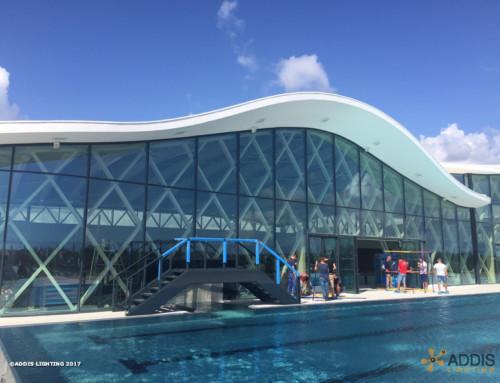 Utilisation des AZURITE Canopy pour l'éclairage extérieur d'une piscine