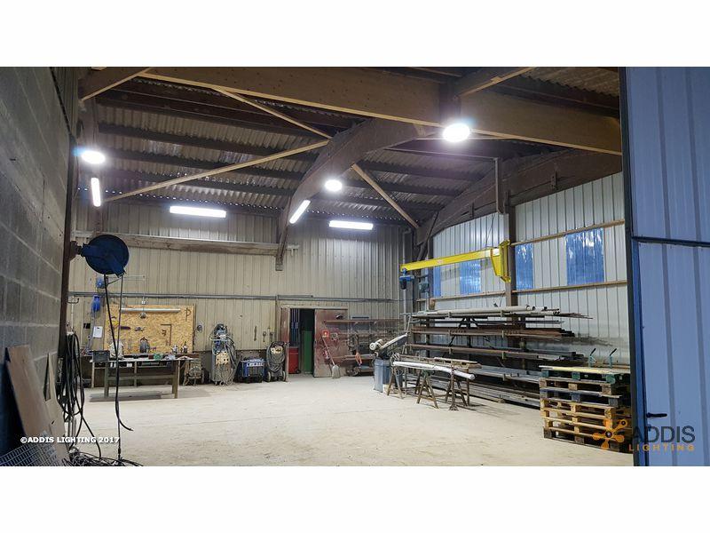 Eclairage LED d'un atelier de soudure