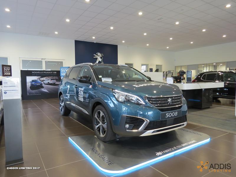 Downlight Led SHIVA pour une nouvelle concession Peugeot Citroen